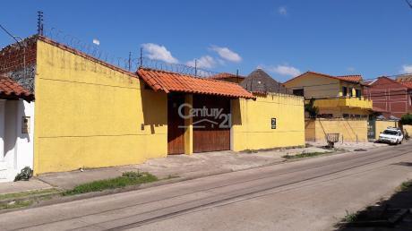 Amplia Casa En 3er Anillo Entre Pirai Y Radial 19 Con 7 Dorm.