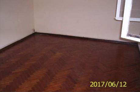 Alquiler De Apartamento 2 Dormitorios En La Blanqueada, Montevideo.