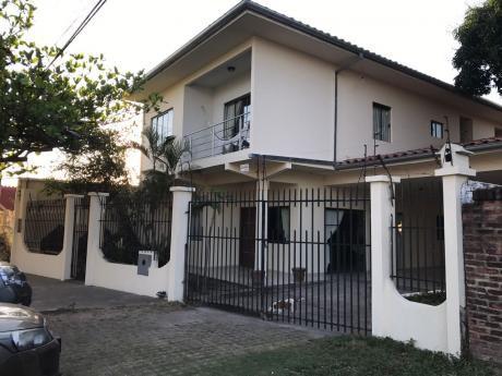 Hermosa Casa En La Av. Roca Y Coronado