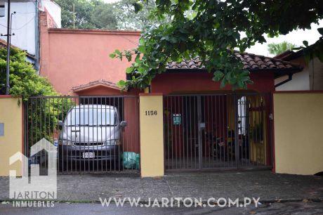 Amplia Casa En El Centro De Asunción