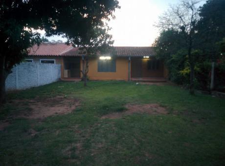 Vendo O Alquilo Casa De 2 Dormitorios En San Lorenzo Zona Calle