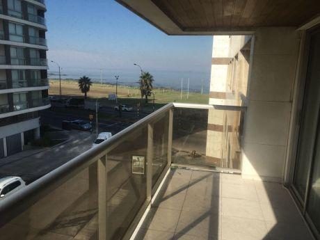 Apartamento Amplio En Punta Carretas (3 Dormitorios) Con Vista Lateral Al Mar