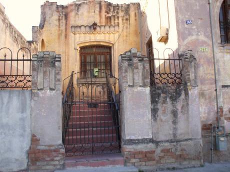 En Asuncion-zona Mercado 4- Barrio Cuidad Nueva- Vendo Propiedad De 148 M2