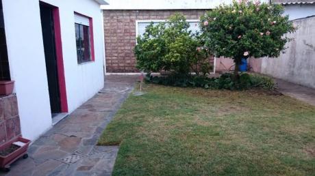 Casa Mas Casita Al Fondo A.sosa Y Gob.viana