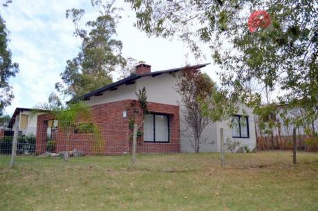 Casa En Punta Colorada ( Ref 419 )