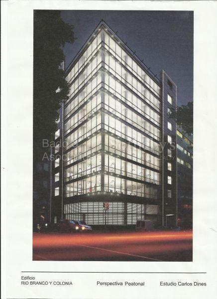 Edificio De Oficinas En Pleno Centro De Montevideo.