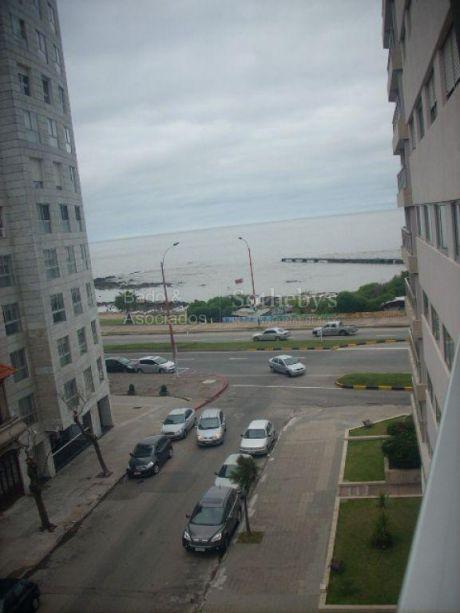 Vista Al Mar En  La Mejor Ubicaci