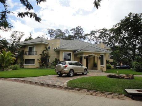 Casa En Alquiler Colinas Del Urubo (primer Ingreso)