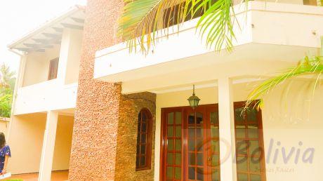 Casa En Venta 2do Anillo Barrio Los Choferes (atrás Del Colegio Isabel Saavedra) Zona Sur
