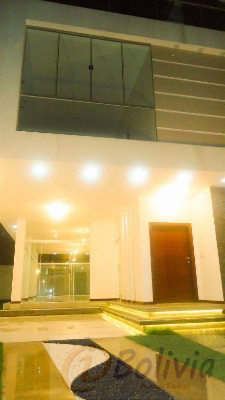 Casas A Estrenar, Av. Banzer 3ro Anillo, 370m2, Inversión: 320.000$us
