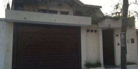 Renatta Schaimann Vende: Preciosa Casa De Dos Plantas - Santa Cruz De La Sierra