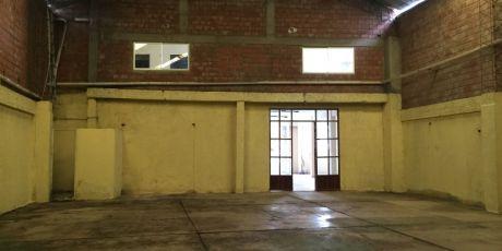 En Zona Comercial GalpÓn Con Oficinas Para Empresa - Santa Cruz De La Sierra