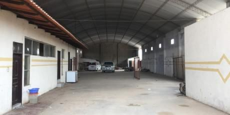 En Zona Comercial Amplio GalpÓn Para Empresa - Santa Cruz De La Sierra