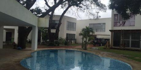 Hermosa Casa Minimalista  De Dos Plantas A Estrenar En Condominio Privado - Santa Cruz De La Sierra