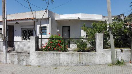 Casa Esquina Con 2 Entradas P/consultorio