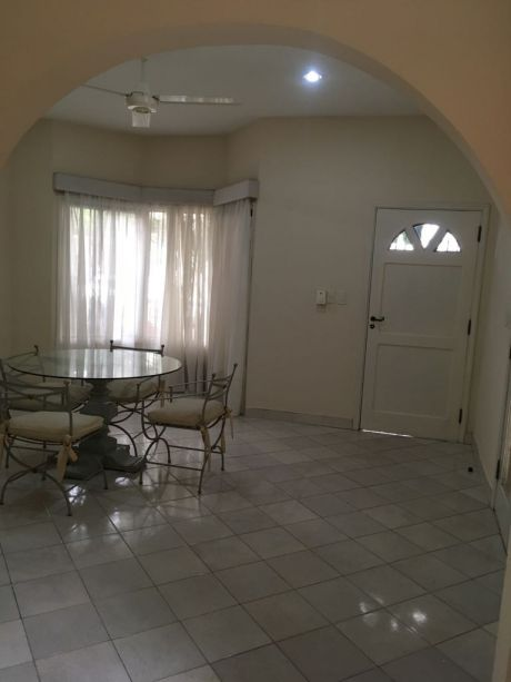 Alquilo Duplex En Carmelitas