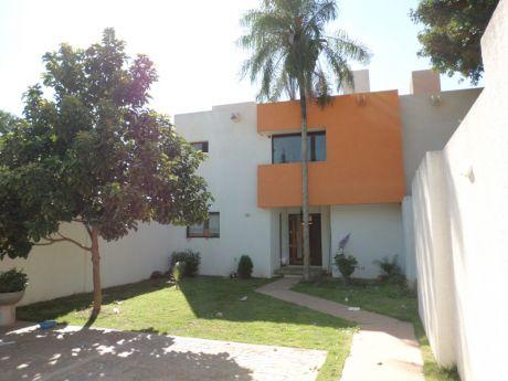 Casa En Alquiler Av. Roca Y Coronado