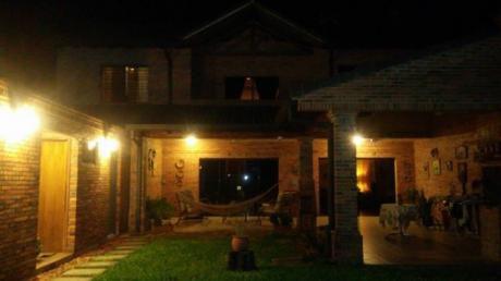 Vendo Casa En Lambare. A Mts Del Hipermarcado Pueblo