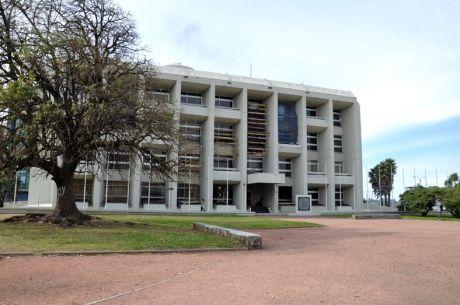 Oficina En Emblemático Edificio Sobre La Rambla De Palermo