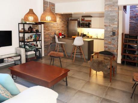 Cálido Apartamento Tipo Casa Con Amplia Terraza