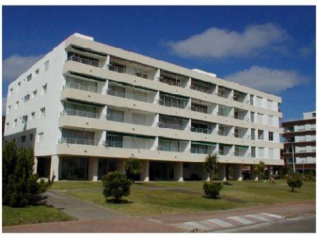 Punta Del Este, Playa Mansa  Apartamento En Venta