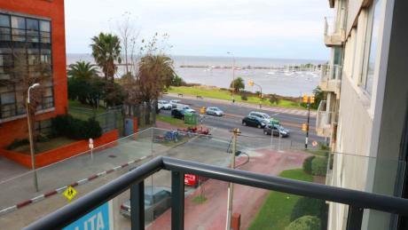 Montevideo, Puerto Buceo  Apartamento En Venta