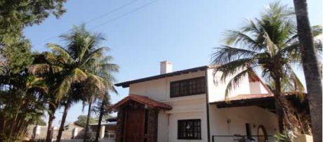 Alfa Inmobiliaria Vende 7 Terrenos Con Hermosa Residencia En Luque Zona Jardin De Oro