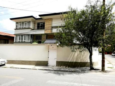 Casa En Venta – Zona Irpavi.