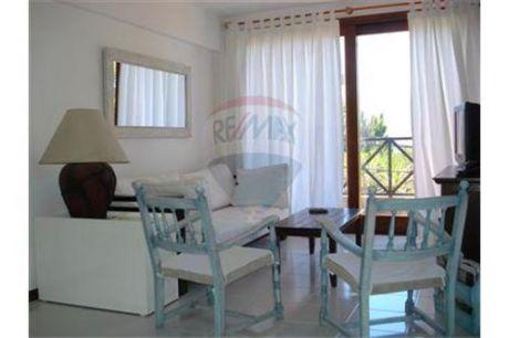 Departamento 2 Dormitorios En La Barra 2 Q Enero