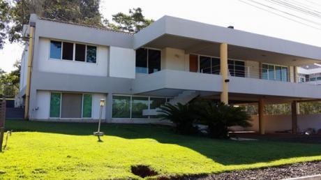 Vendo Casa En Pcc- Hernandarias