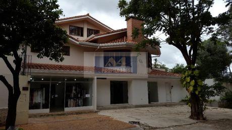 Vendo Residencia Al Costado Del Shopping Del Sol