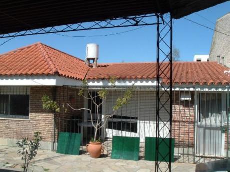 Punta Gorda, Próxima Al Colegio La Mennais, Lindo Chalet De Tejas En Una Planta.