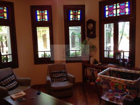 Apartamento Al Frente Reciclado Con Categoría. Dos Dormitorios