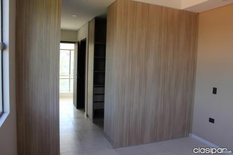 Casa De 3 Pisos A Estrenar! Z/ Asuncion Golf Club - Botanico
