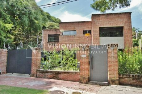 Casa Nueva En Punta Gorda, 3 Dorm., 3 Baños, Garaje, Buen Jardín.