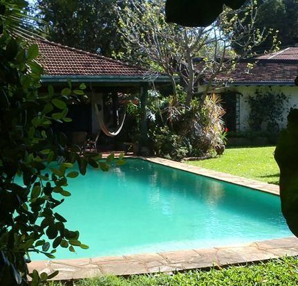 Vendo Lujosa Residencia 1568 M2 En El Corazon De Villa Morra