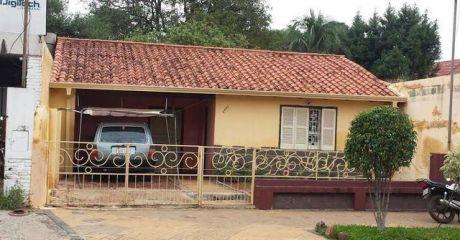 Vendo Casa Sobre Sobre Asfalto En El Barrio Herrera En 170.000 Usd