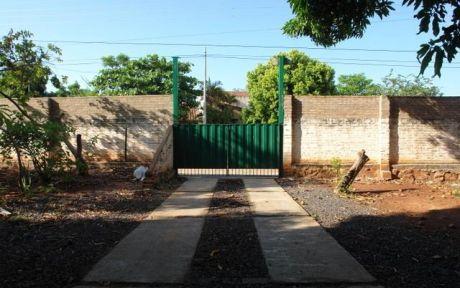 Vendo Casa Con Terreno De 984 M2, Sobre Asfalto Detras De Colegio Dante Alighieri Fernando Zona Norte...
