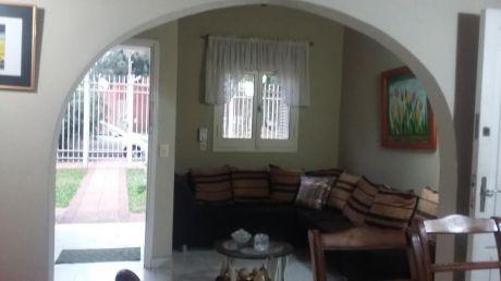 Vendo Linda Y Confortable Casa En Barrio Herrera 450 M² De Terreno