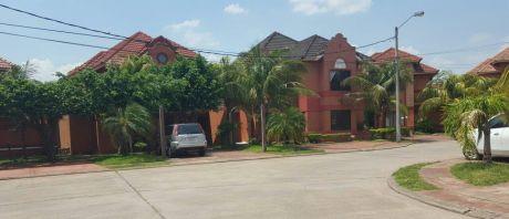 Casa De Dos Plantas En Condominio Zona Norte 7mo. Anillo Av. Cristo Redentor
