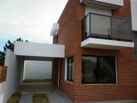 Atlántida, Alquiler Anual En Zona Residencial 125 At.