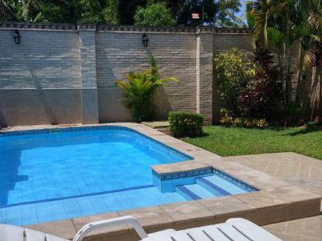 Vendo Hermosa Casa Con Piscina !!!! Lambare (zona Residencial )