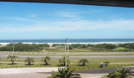 Frente Al Mar. Maravillosas Vistas.