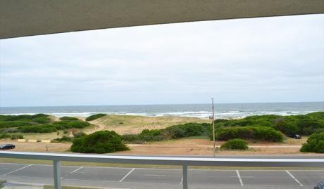 Punta Del Este. La Brava. Frente Al Mar. Espectacular Vista !!!