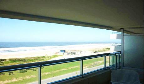 Hermoso Apartamento En Alquiler Frente Al Mar.