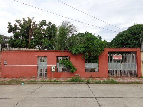 Bonita Casa En Buena Ubicacion...!!!