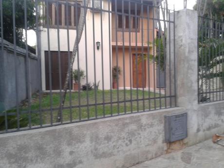 Casa De 2 Plantas En El Barrio San Pablo