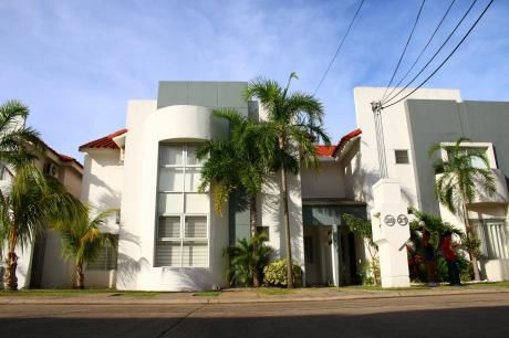 Casa En Condominio Zona Norte