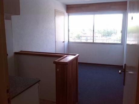 Alquilo Apto En Mdeo ..1 Dormitorio.. 18 De Julio Y Paullier