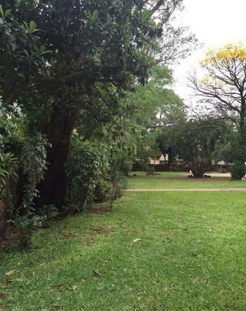 Vendo Propiedad En Esquina De 4.361 M2 En Pleno Barrio Villa Morra